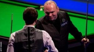 Welsh Open 2017: Stuart Bingham beats Judd Trump 9-8 in final